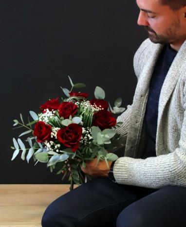 Bouquet de Roses Rouges - Max le Fleuriste - Livraison de fleurs à domicile - Livraison de fleurs à domicile - Max le Fleuriste