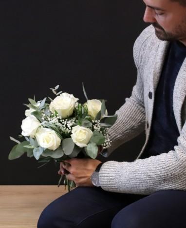 Bouquet de Roses Blanches - Livraison de fleurs à domicile - Max le Fleuriste